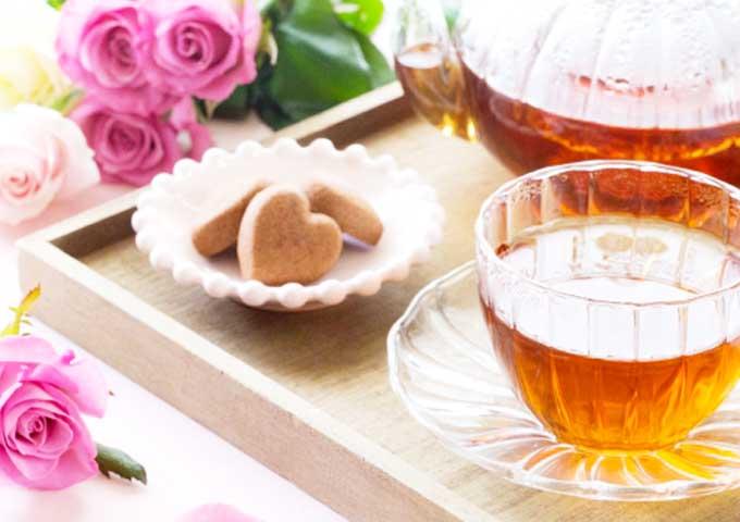 《お菓子とデザイン》フェアリーケーキフェア【母の日】、ポップなイラストが描かれた紅茶&焼き菓子パッケージなど3選