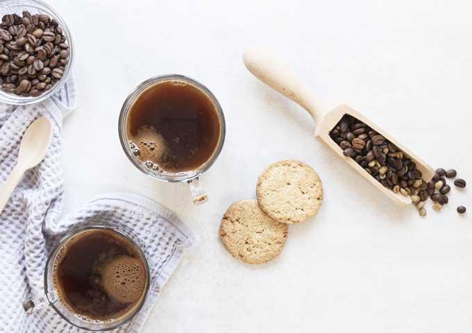 《珈琲とデザイン》神乃珈琲【贈り物】、日本画風のイラストやグラフィカルなデザインがお洒落なクッキー&コーヒーパッケージなど3選