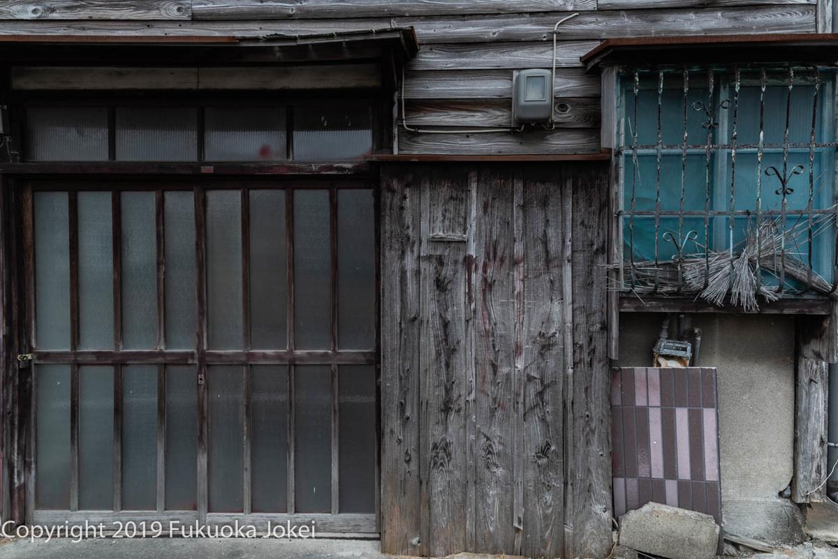 荒尾の昭和の建物の画像