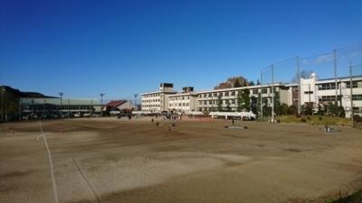 ゆりがねマラソン会場の馬頭高校の全体の風景