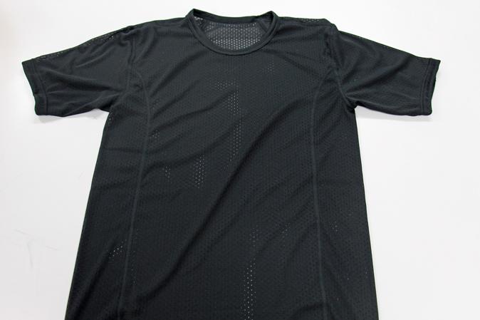 ドライレイヤースキンメッシュのTシャツ