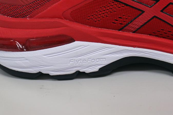 GT-2000 7のミッドソール FlyteFoam