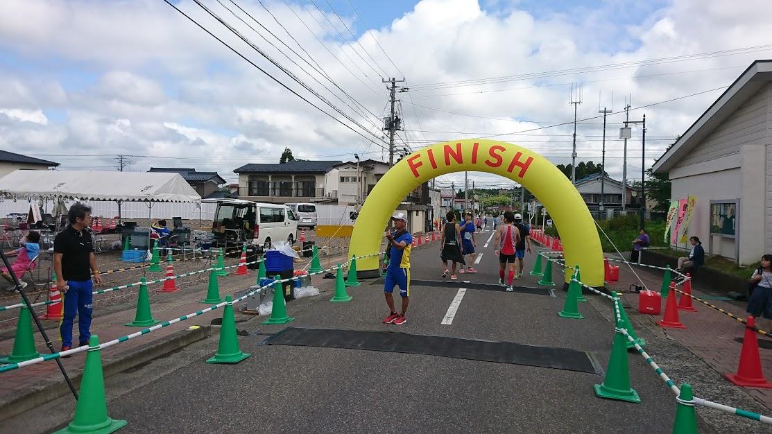 第23回花火の里浅川ロードレース大会ゴール地点の様子