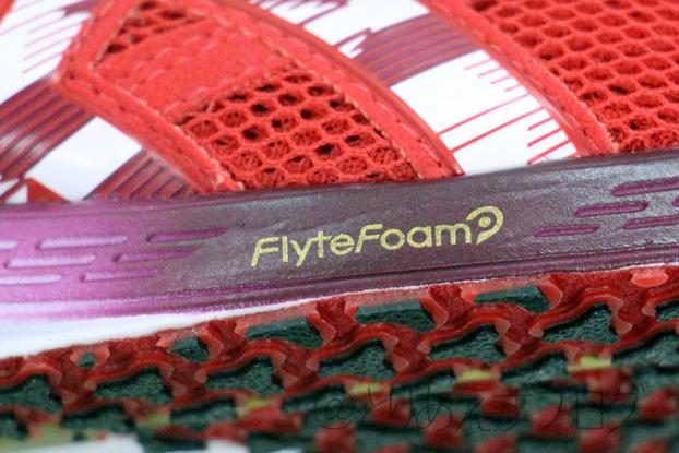 TARTHEREDGE TENKAのFlyteFoamのマーク