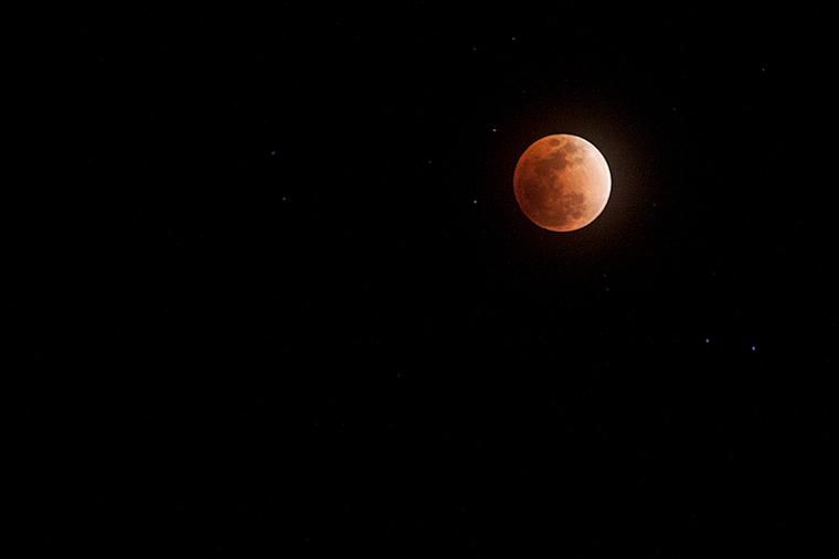 皆既月食(スーパー・ブルー・ブラッドムーン)