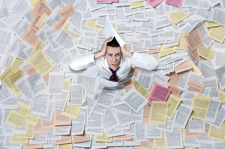 偽造の書類をすぐに見抜ける自信はありますか?