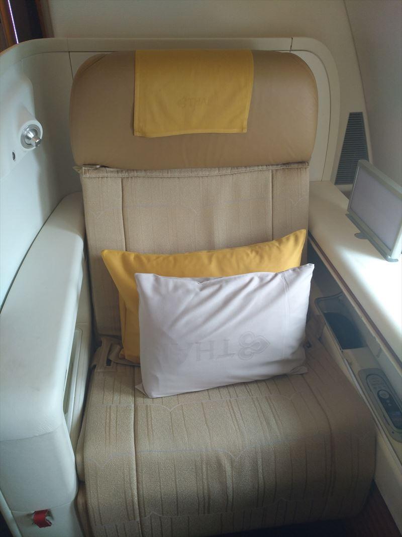 a380 ファーストクラス タイ航空