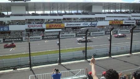 レース前のドライバーズパレード