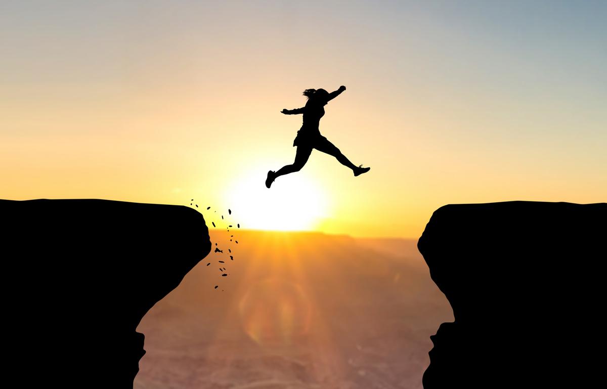 飛躍する人