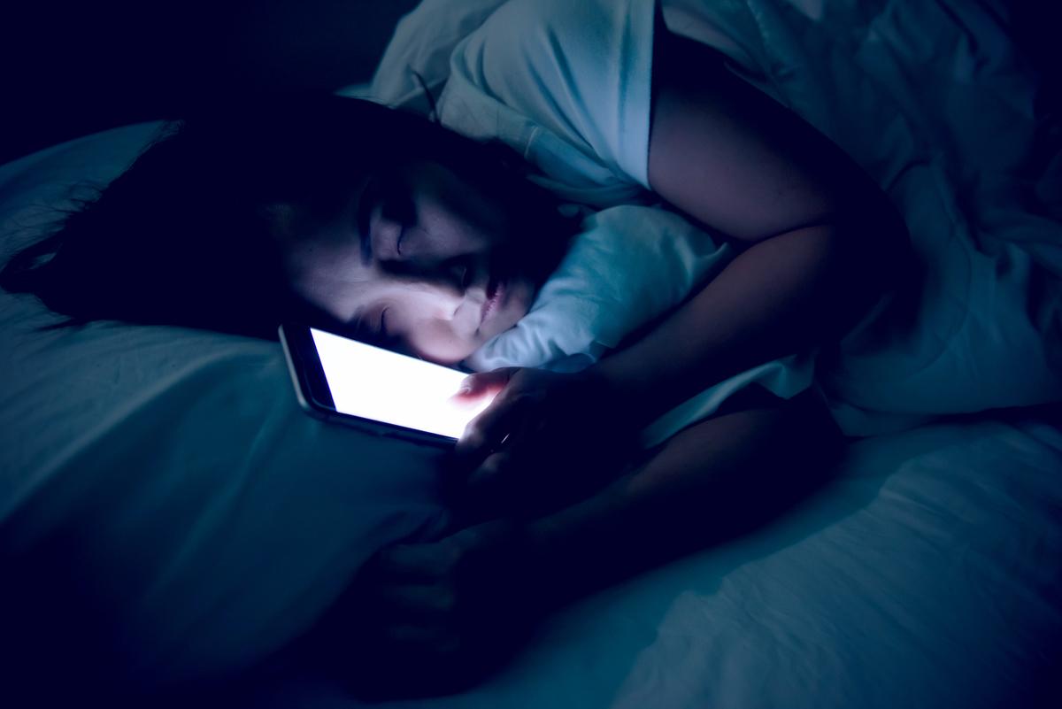 寝る前スマホ