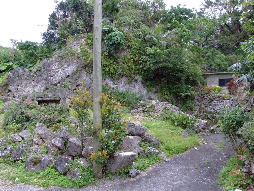 世礼井、フールのある岩