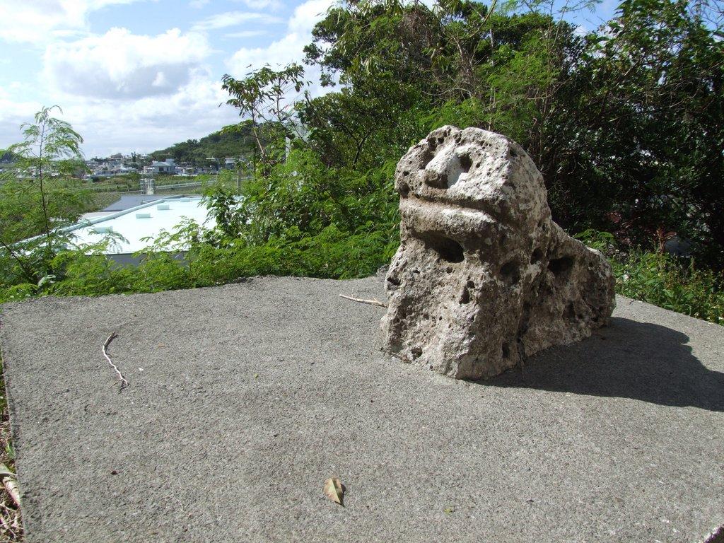 午ヌ端の石獅子