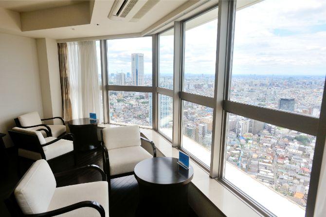 ザ・パークハウス 西新宿タワー60のビューラウンジ「SKY」