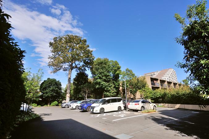 オーベル蘆花公園の駐車場