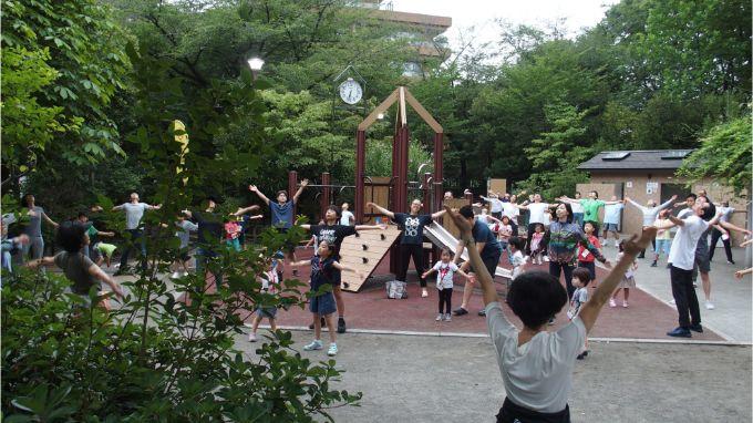 広尾ガーデンヒルズの住人が参加している朝のラジオ体操