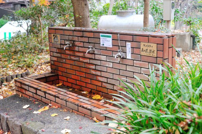 サンシティ竣工20周年記念の水汲み場