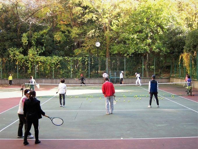 サンシティのテニスクラブの活動の様子