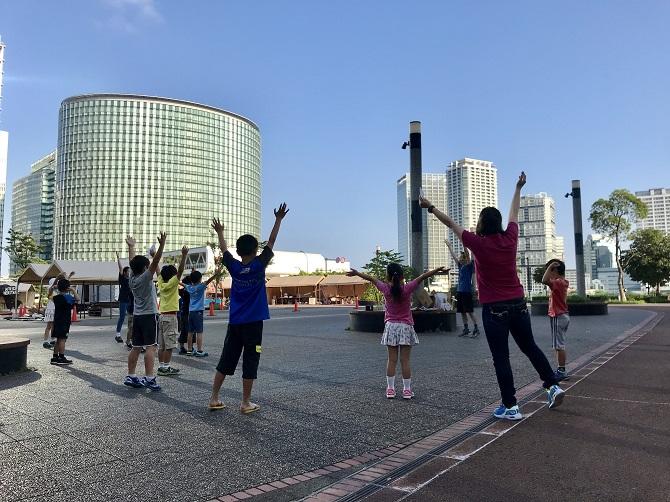 """夏休みラジオ体操の様子の画像"""""""