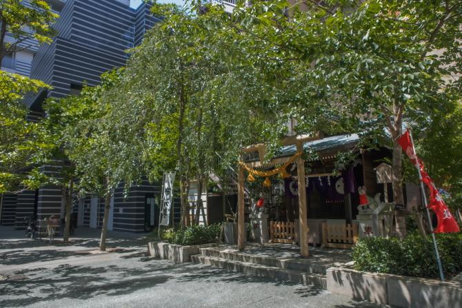 茶ノ木神社とリガーレ日本橋人形町