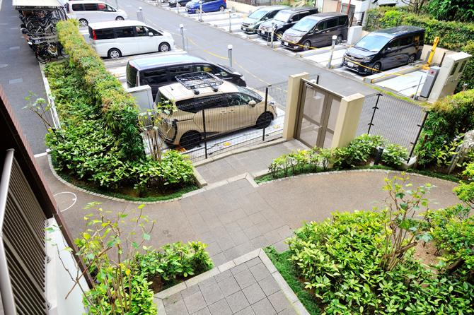 修繕を終えたルネ花小金井の駐車場