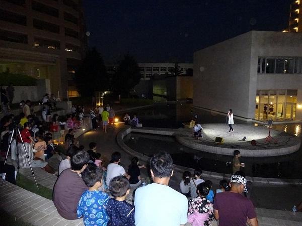 東京サーハウスでの「納涼の夕べ」の様子