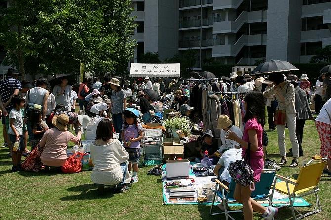 東京サーハウスでのフリーマーケットの様子
