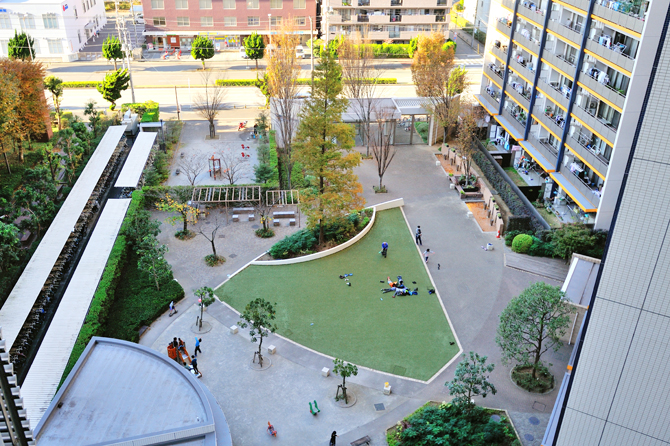 現在のブラウシアの中庭の写真