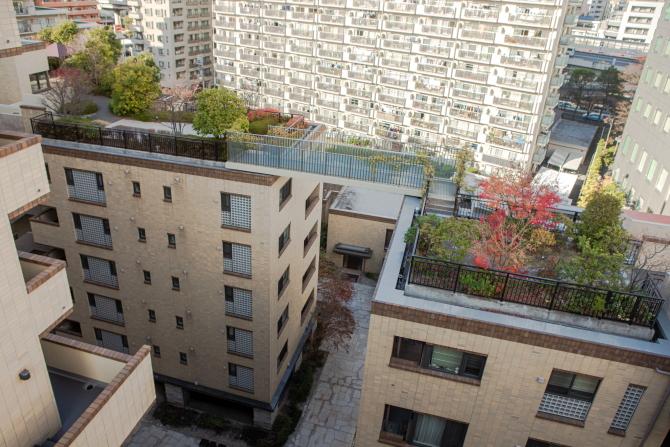 アトラス江戸川アパートメントの空中回廊の写真