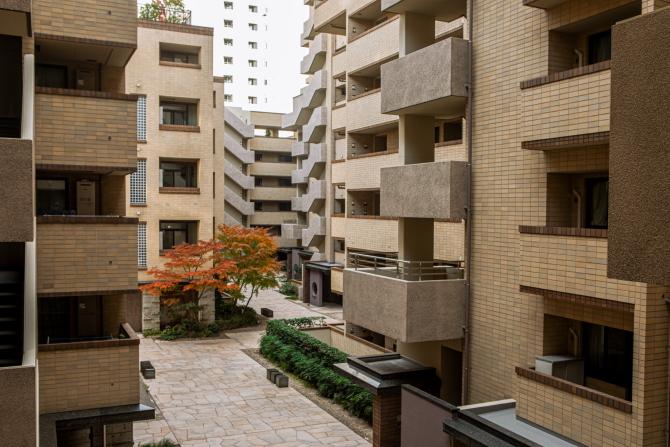 アトラス江戸川アパートメントの外壁の写真