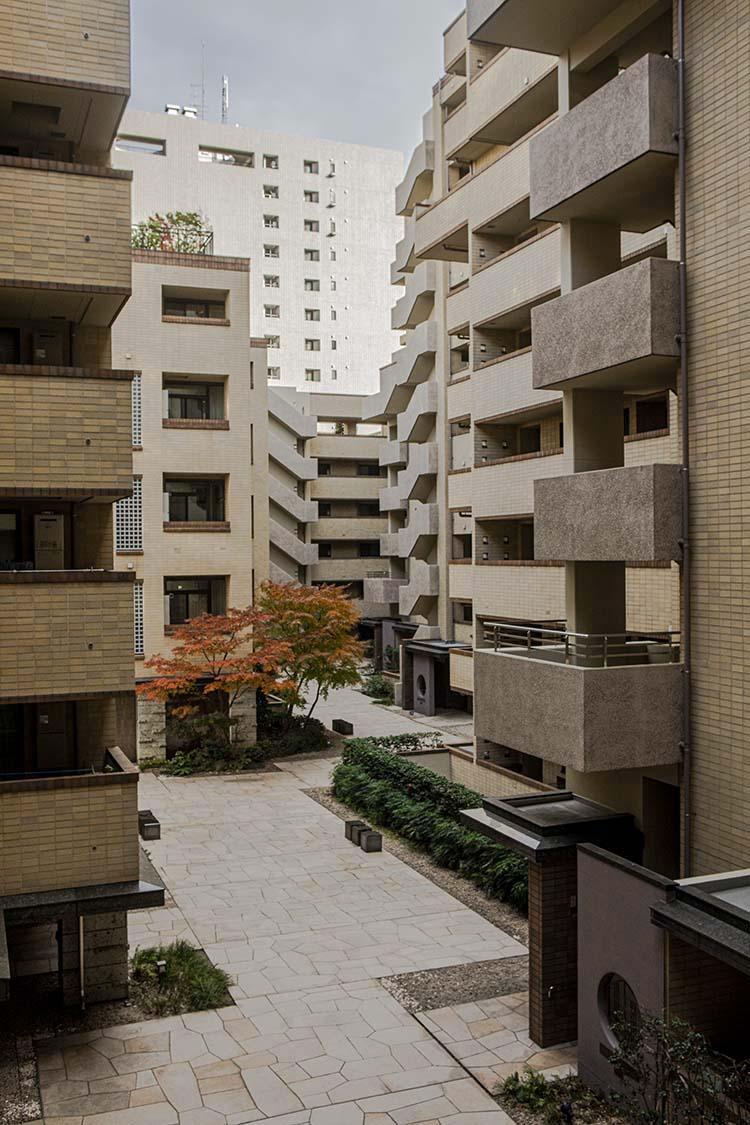 アトラス江戸川アパートメントの外観
