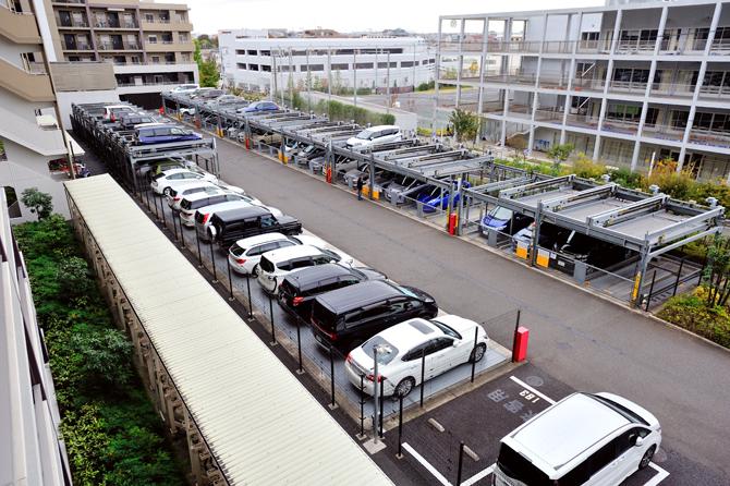 ザ・パークハウス横浜新子安ガーデンの駐車場