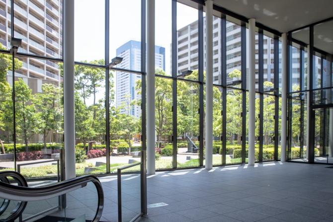シティタワーズ豊洲 ザ・シンボルのエントランスホールからの眺め