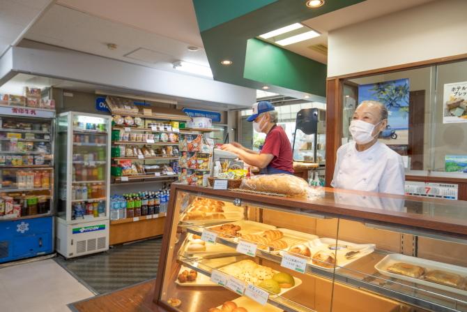 湯島ハイタウン内のパン屋さん