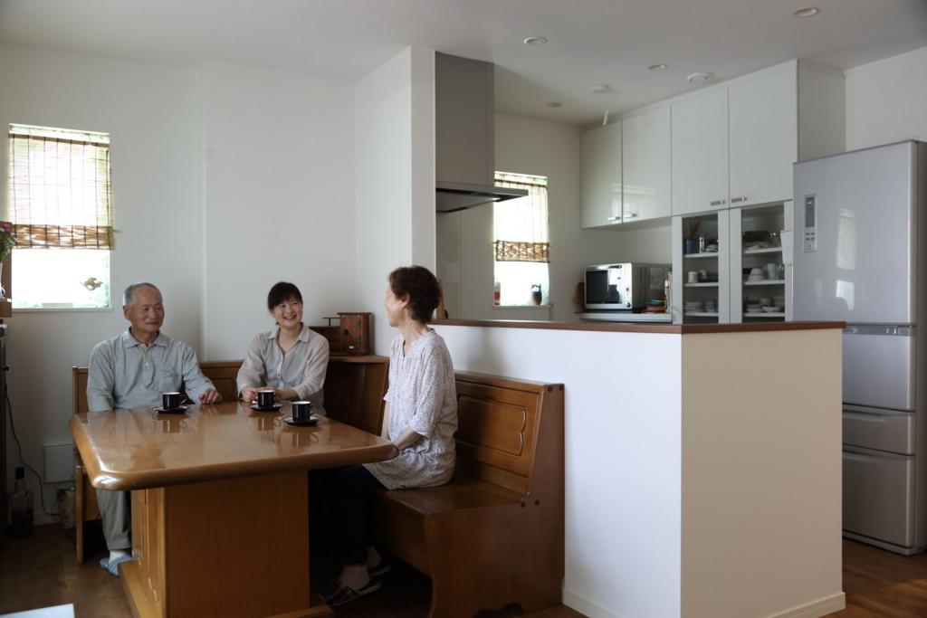 娘と両親、愛犬で暮らす二世帯住宅
