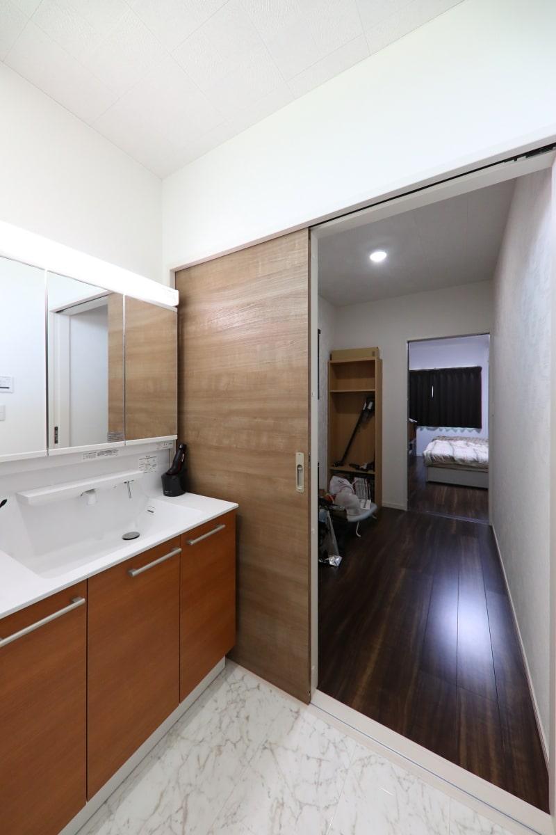 広々とした洗面室