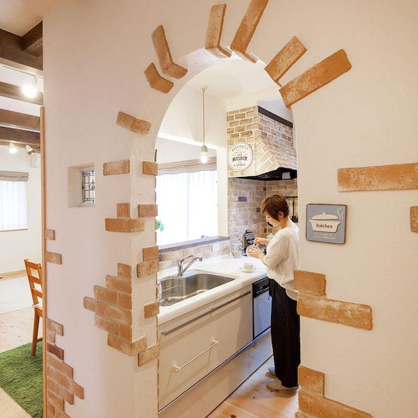 キッチン入口のアーチ
