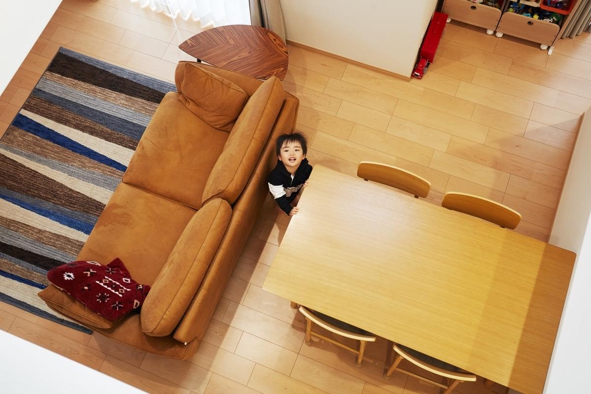開放的で上下階でコミュニケーションの取りやすい吹抜け/注文住宅実例