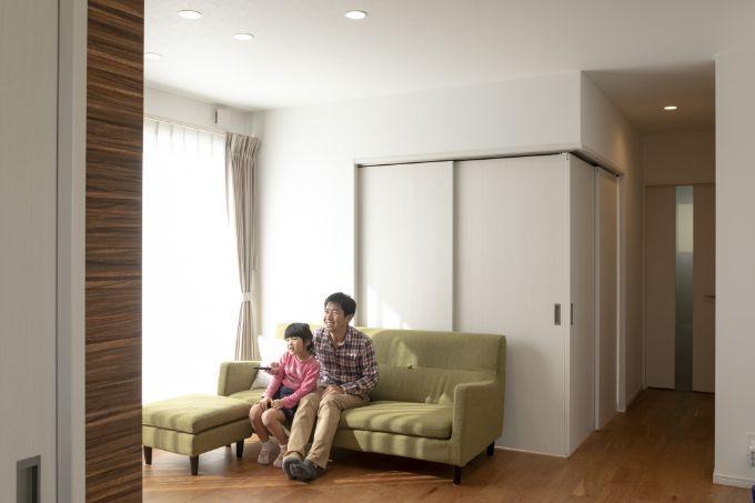 リビングと個室をすべて引き戸で区切っている/注文住宅実例