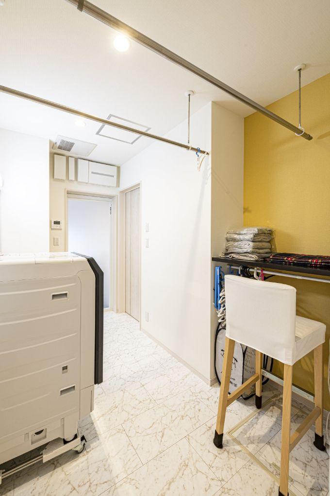 ウォークインクロゼットと直結している洗面化粧室/注文住宅実例