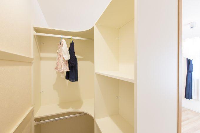 子供部屋に設置した収納ユニットはコンパクトだが週能力は抜群/注文住宅実例