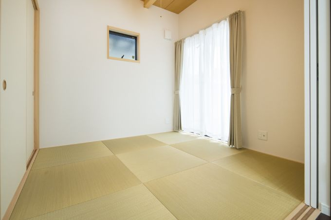 リビングと直結して便利な和室/注文住宅実例
