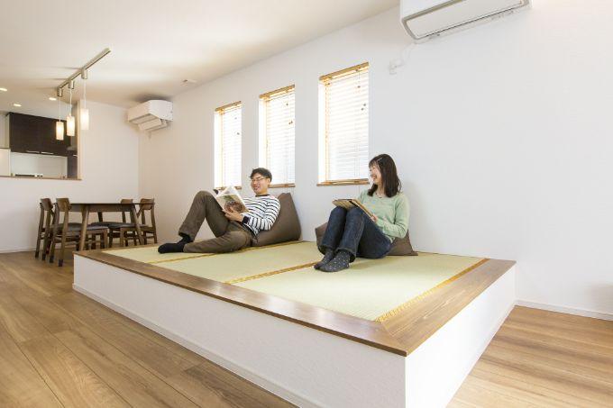 大人二人が余裕をもって横になれる子上がりの畳スペース/注文住宅実例
