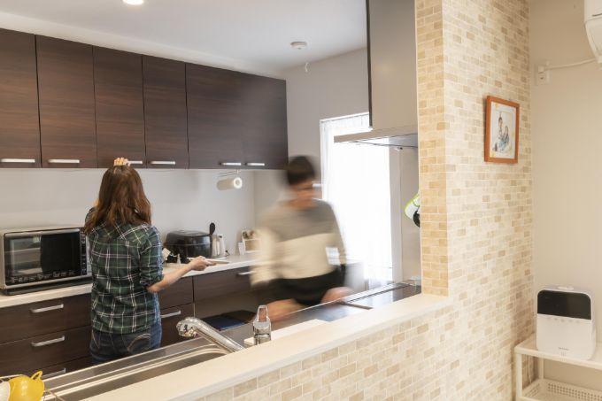 二人同時でも動きやすい広さのキッチン/注文住宅実例