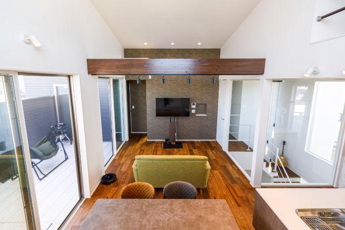 勾配天井で開放的なLDK/注文住宅実例
