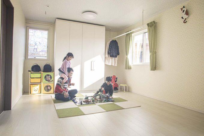 14畳の子供部屋であそぶFさんファミリー/注文住宅実例