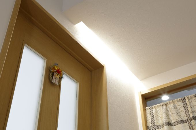 建築会社の担当者からのアイデアで設置した人勧センサーの照明/注文住宅実例