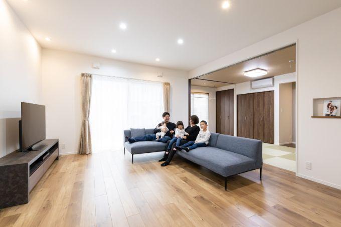 天井高が基準より高い2.75m、広さ25畳を超えるLDK/注文住宅実例