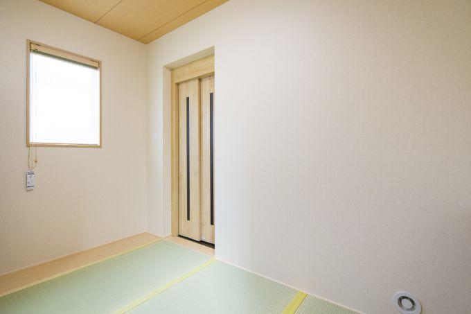 来客にエレベーターを使ってもらえるようこだわった中2階の和室/注文住宅実例
