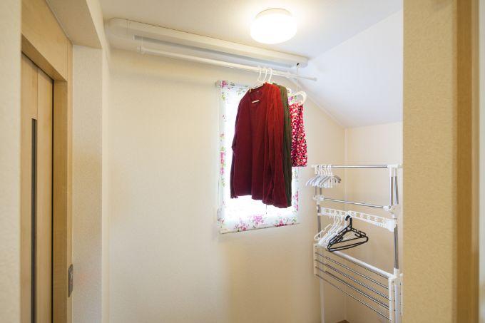 インナーバルコニーとして活用しているエレベーターホール/注文住宅実例