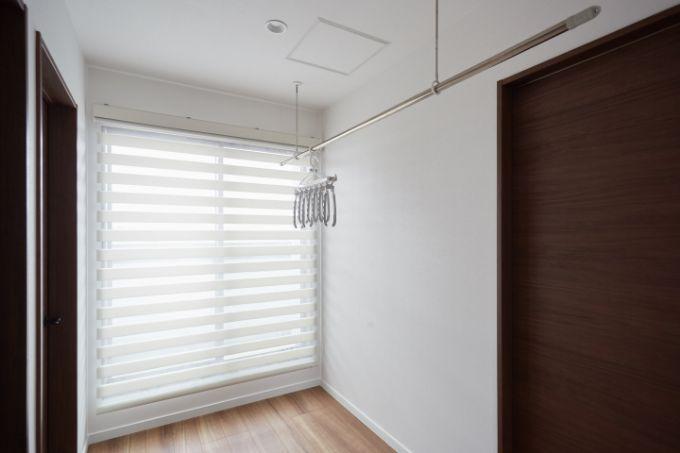 日当たりがよく室内干しも快適なランドリースペース/注文住宅実例